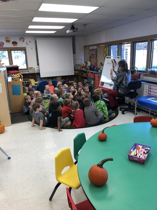 Ms. Bays Reads a pumpkin story