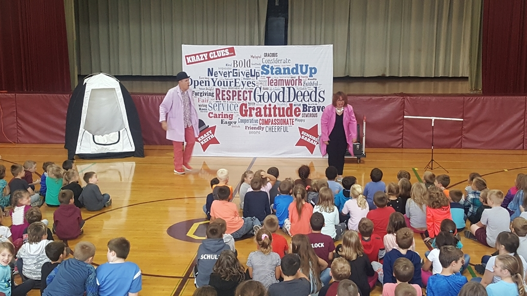 Crazy Clues with Krazy Keith and Sensible Sarah dazzled Deckerville Elementary this afternoon